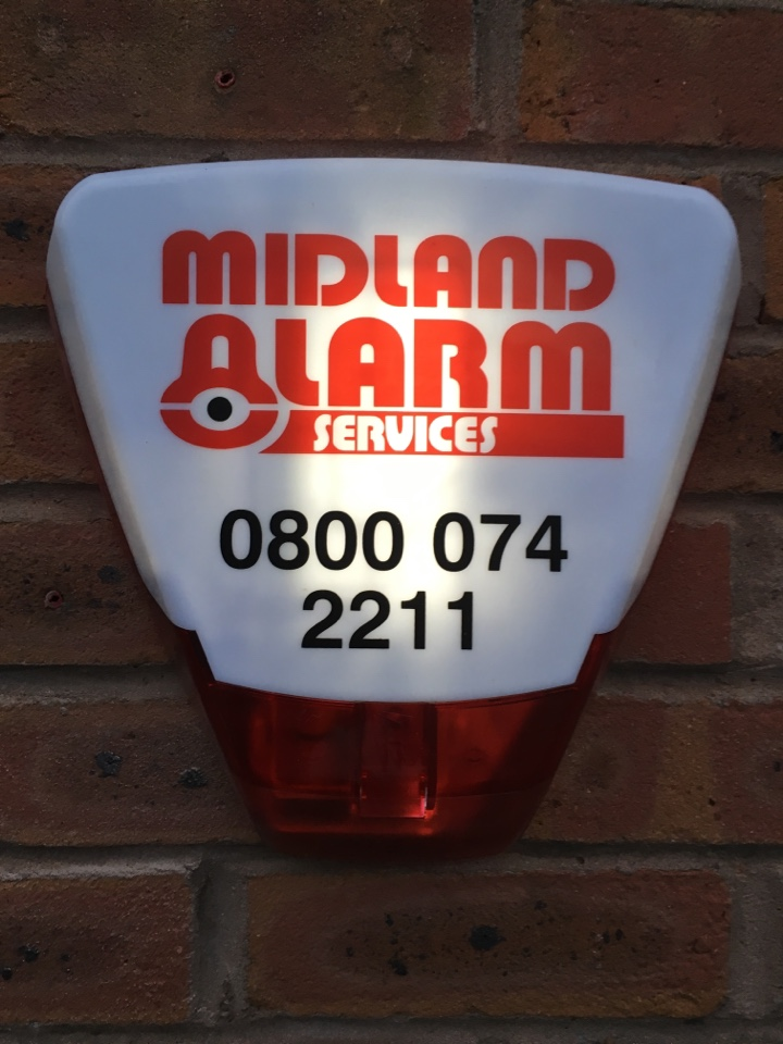 Hkc 1070 alarm upgrade finished , customer was happy and her huge dogs remain locked away