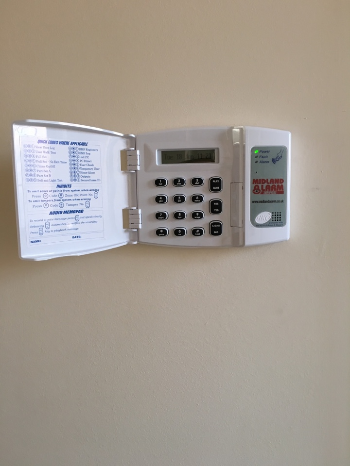 Wombourne, Staffordshire - Hkc 1070 wired/wireless alarm system installed