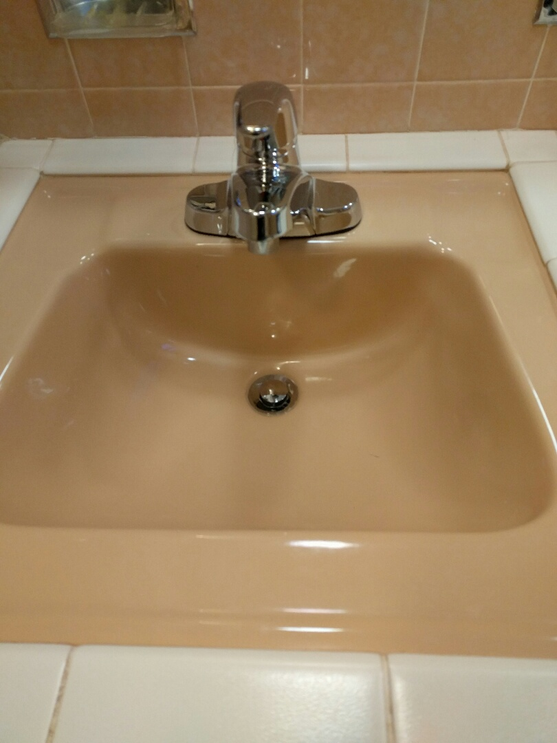 Chicago, IL - Installation of new bathroom faucet and drain.