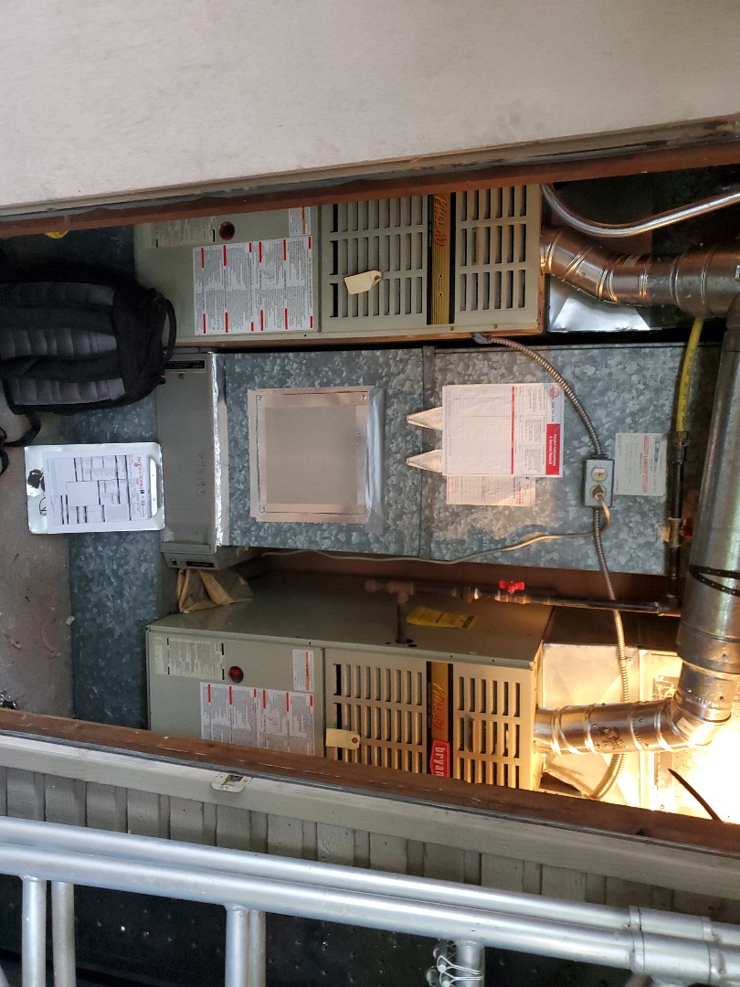 Seattle, WA - Starting a general maintenance on older Bryant furnaces for a great customer in the lake shore area of Seattle.
