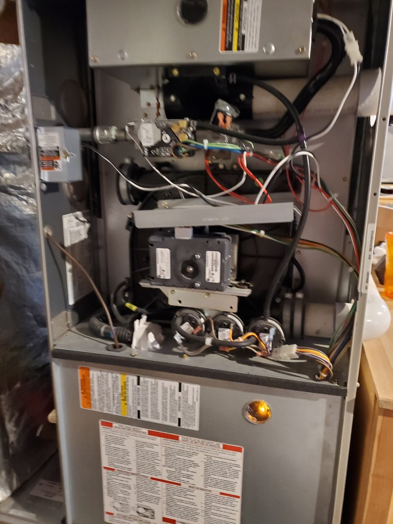 Seattle, WA - Starting a furnace service on a Bryant high efficiency furnace for a great customer in Seattle
