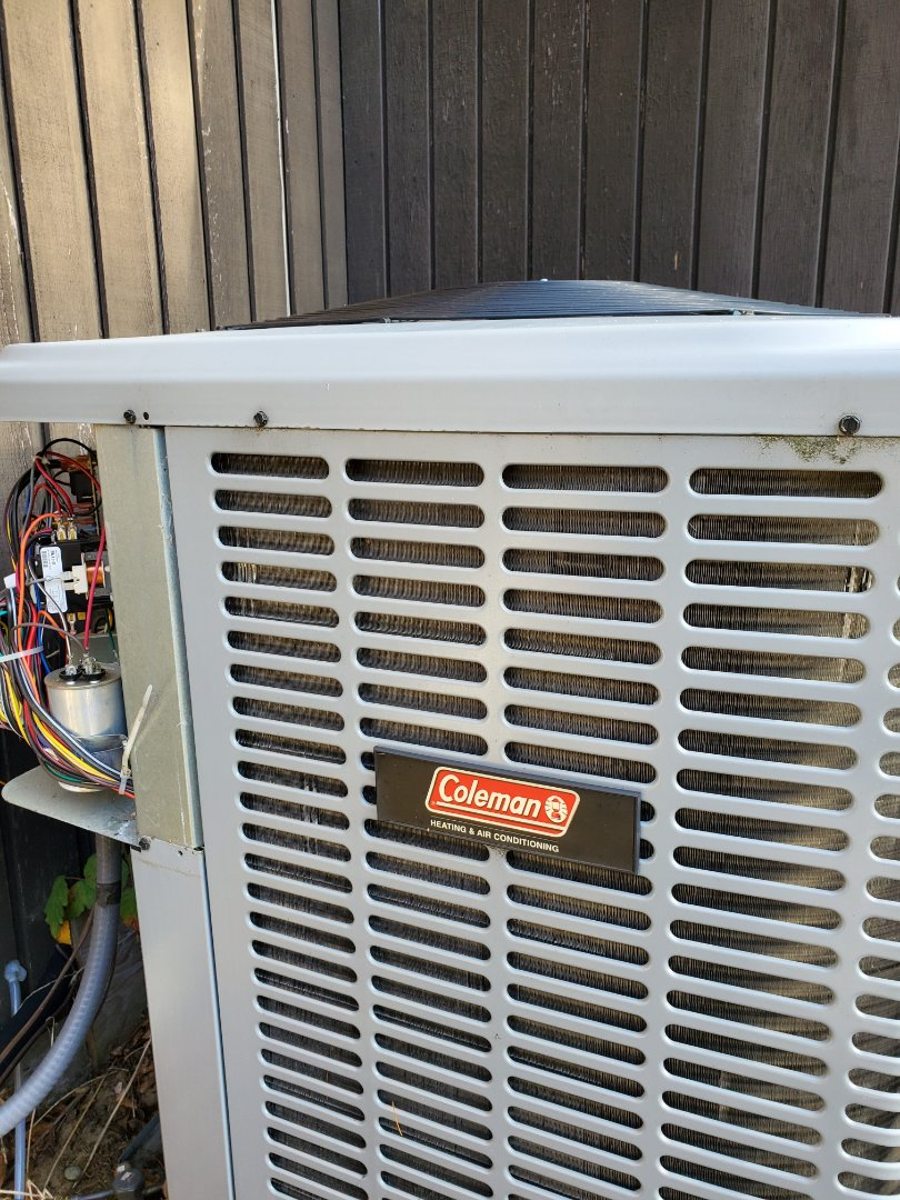 Renton, WA - Servicing a Coleman heat pump for a great customer in Renton