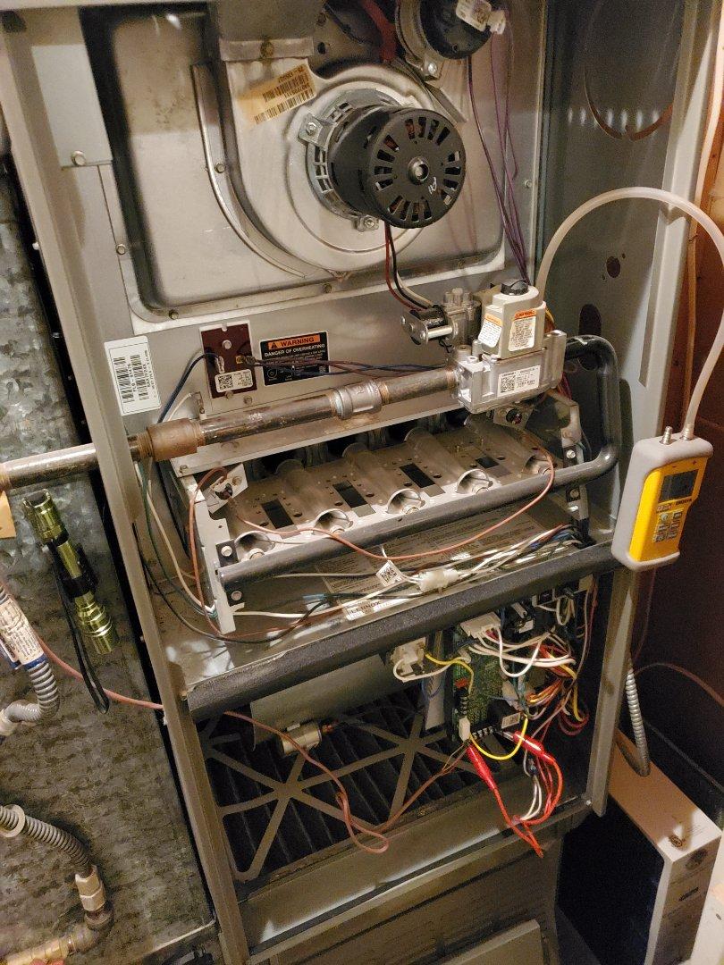 Shoreline, WA - Servicing a Lennox furnace for a great customer in shoreline