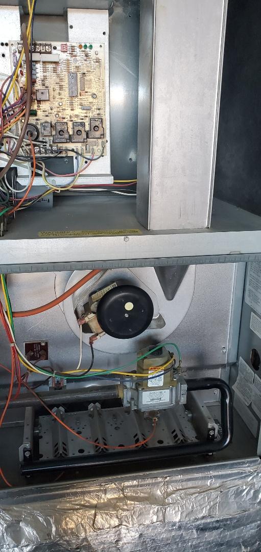Mukilteo, WA - Servicing a Rheem furnace for a great customer in Mukilteo