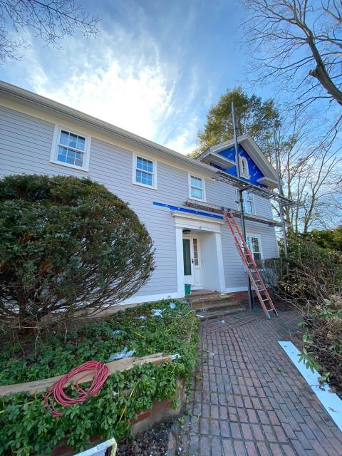 North Haven, CT - Jr and his crew are making great progress in North Haven, installing James Hardie fiber cement clapboard. Soon, this home will be low-maintenance with great curb appeal! The siding being used is Pearl Gray, found in James Hardie's Statement Collection.