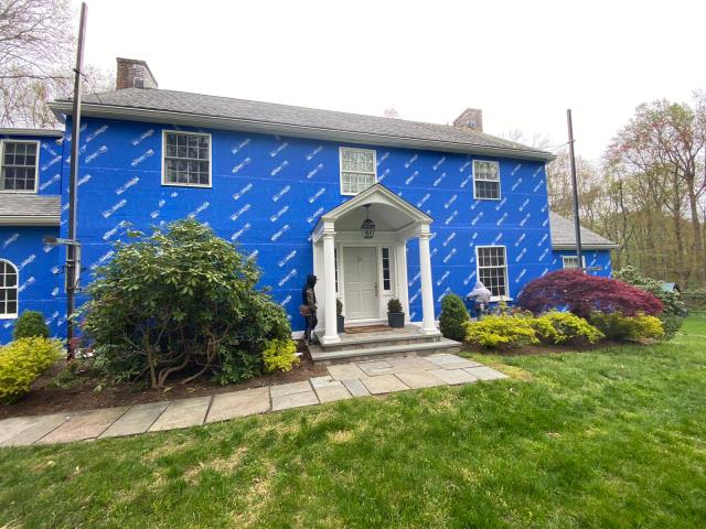 Greenwich, CT - Talk about a clean job site! Burr's James Hardie siding crew has done a beautiful job making sure this property in Darien, CT stays clean throughout the exterior remodel. Especially with everyone being at home during these times, it's important to consider everyday life of the homeowner.