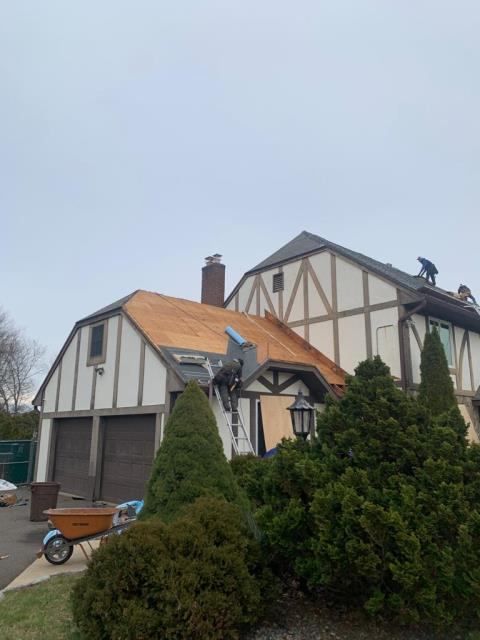 Windsor, CT - Phase one of this full exterior remodel is roof replacement! We are replacing the existing roof with CertainTeed Landmark Pro shingles with a Lifetime Warranty.