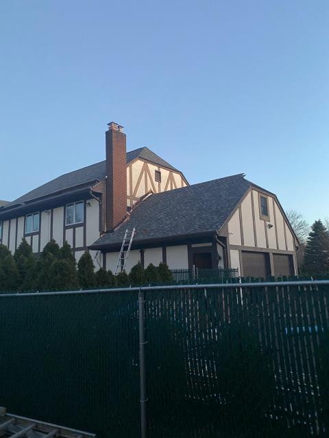 Windsor, CT - Roof replacement complete in Windsor, CT. This replacement features CertainTeed Landmark Pro shingle in Colonial Slate. Next, we will replacing the existing siding with James Hardie fiber cement.