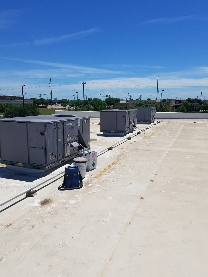 Commercial Airconditioning repair in Rowlett.