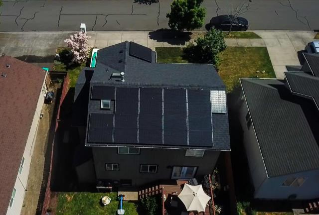 Gresham, OR - Solar install located in Gresham, Oregon by Greenlight Solar and Roofing.