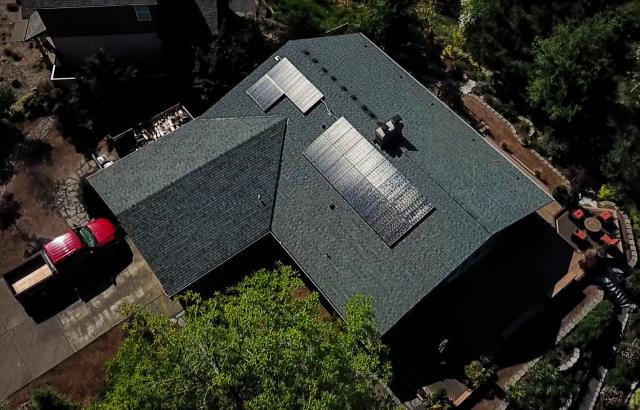Sherwood, OR - Solar installation located in Sherwood, Oregon by Greenlight Solar and Roofing. Call for your free estimate 503-336-1163.