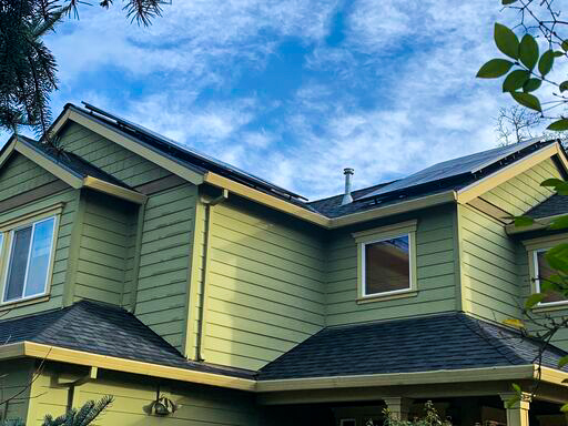 Yamhill, OR - Sleek install located in Yamhill, Oregon. We have three different low profile panels we typically choose from. Call us to get a quote and see what panels would be most efficient for your property. Quotes can be done over the phone. 503-336-1163.