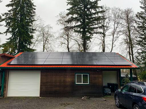 Hood River, OR - Ultra energy efficient panels installed in Hood River, Oregon by Greenlight Solar and Roofing
