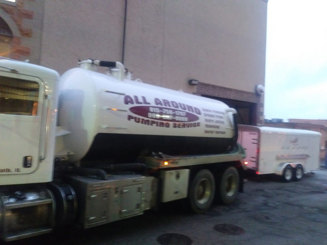 Downers Grove, IL - Pump and clean outside grease trap