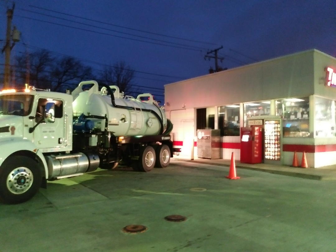 Blue Island, IL - Pump and clean inside grease trap
