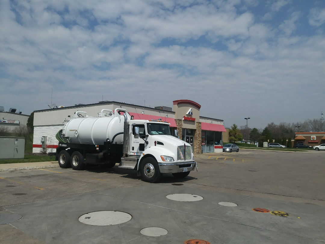 South Elgin, IL - Pump and clean outside grease trap