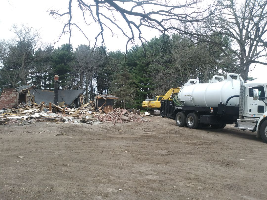 Maple Park, IL - Pump and clean septic tank