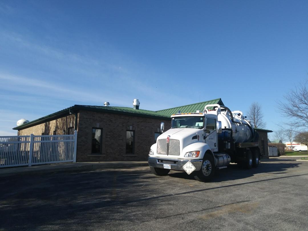 Sugar Grove, IL - Pump and clean inside grease trap
