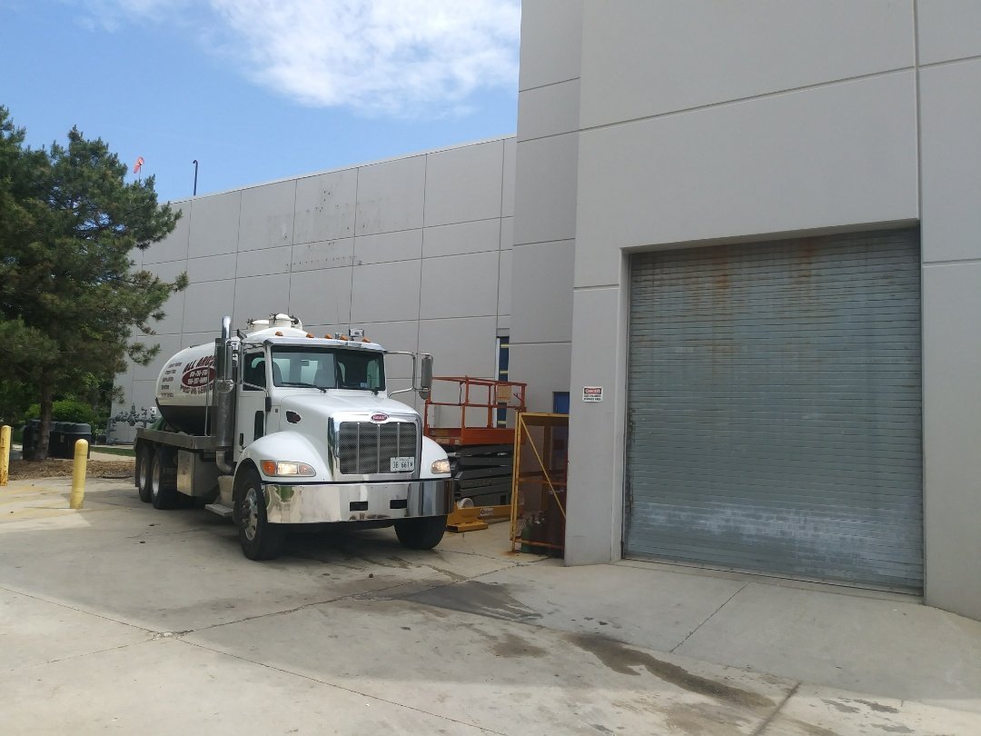 Bolingbrook, IL - Pump and clean outside grease trap