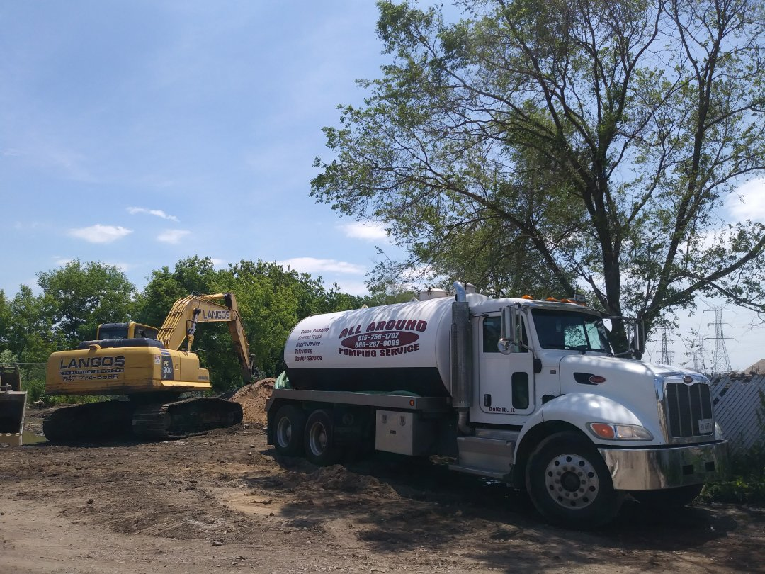 Wheeling, IL - Pump and clean outside grease traps