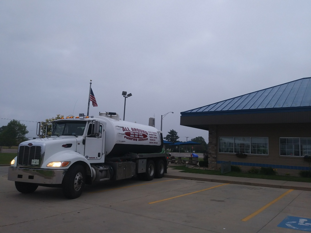 Sycamore, IL - Pump and clean outside grease trap