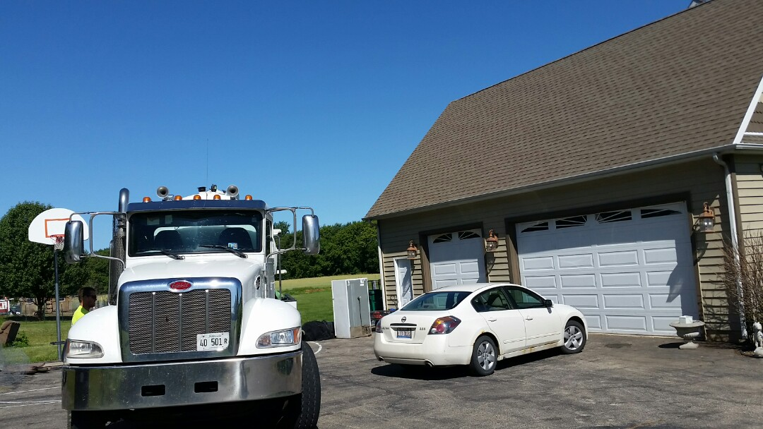 Earlville, IL - Pump and clean septic tank