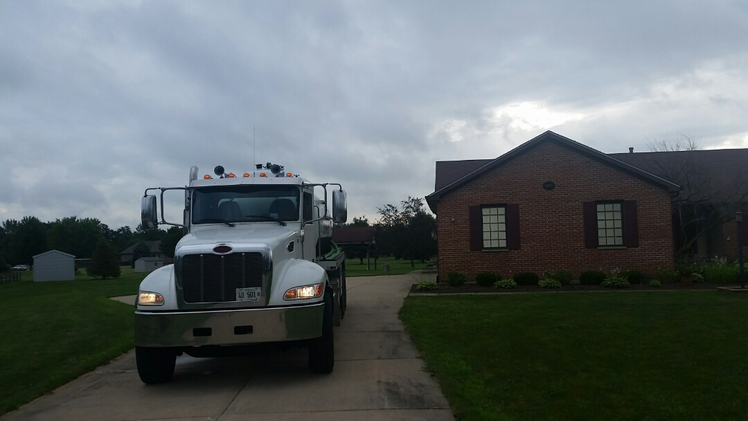 Hinckley, IL - Pump and clean septic tank
