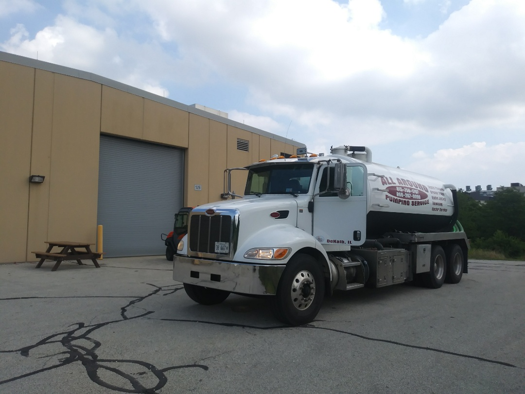 Lemont, IL - Pump and clean septic tank
