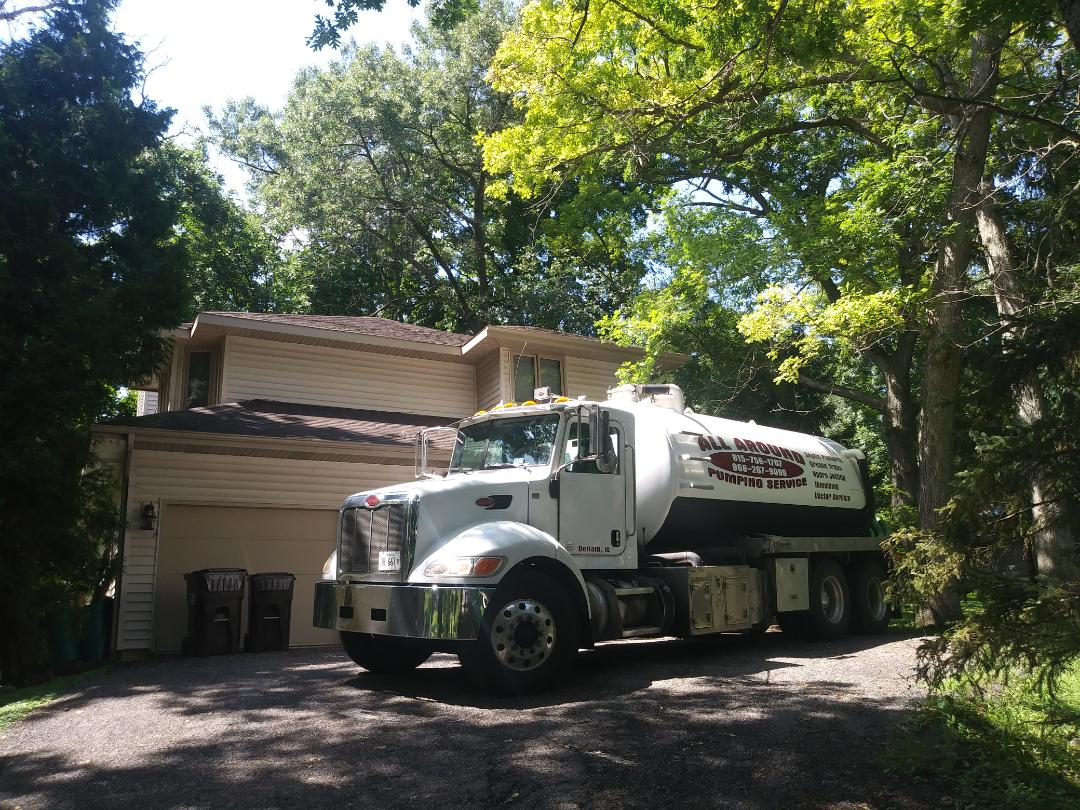 Crystal Lake, IL - Pump and clean septic tank