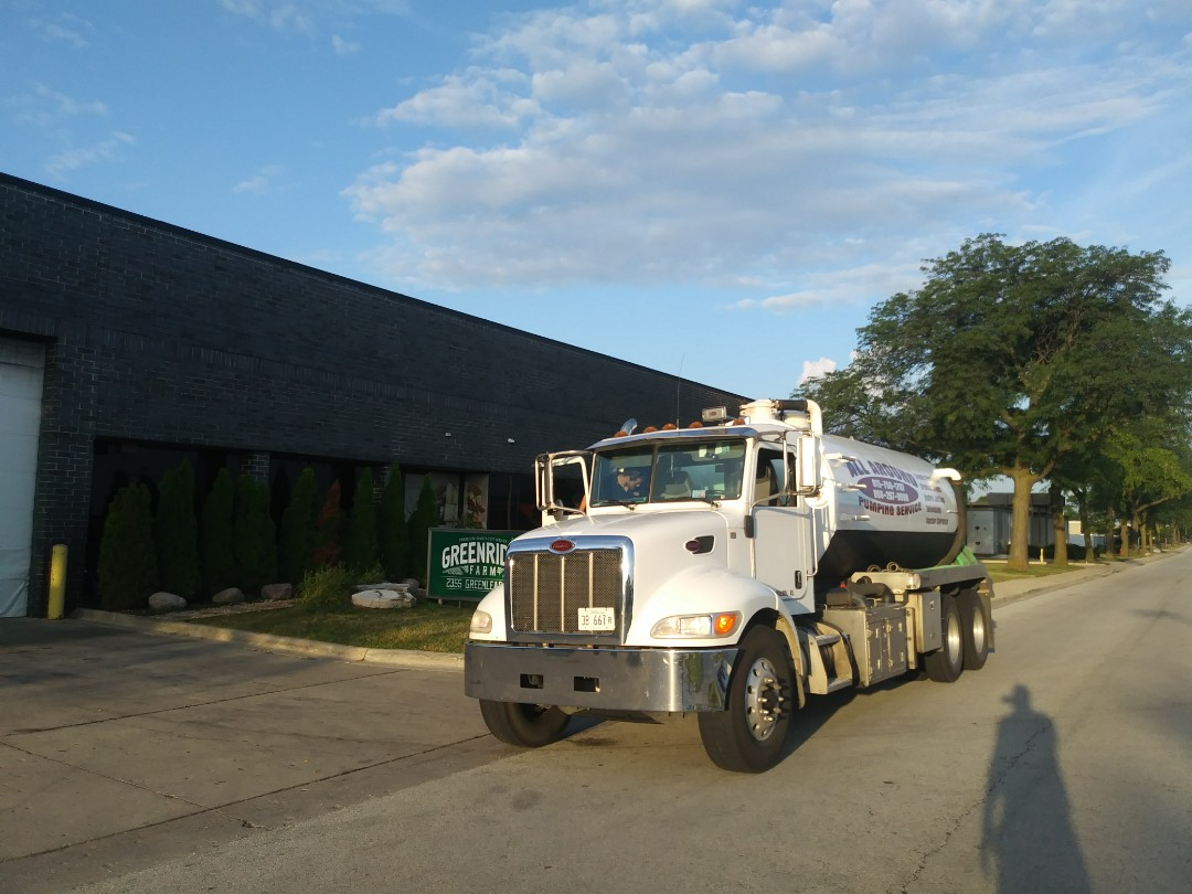 Elk Grove Village, IL - Pump and clean outside grease trap