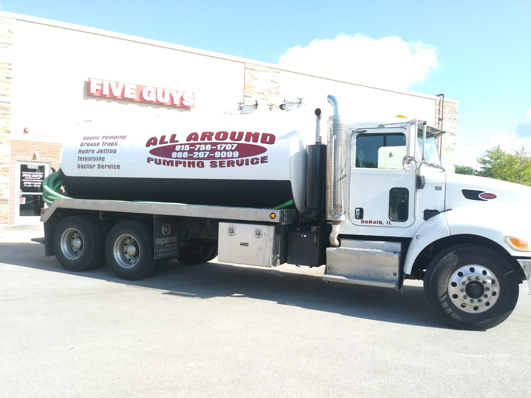 Oswego, IL - Pump and clean outside grease trap