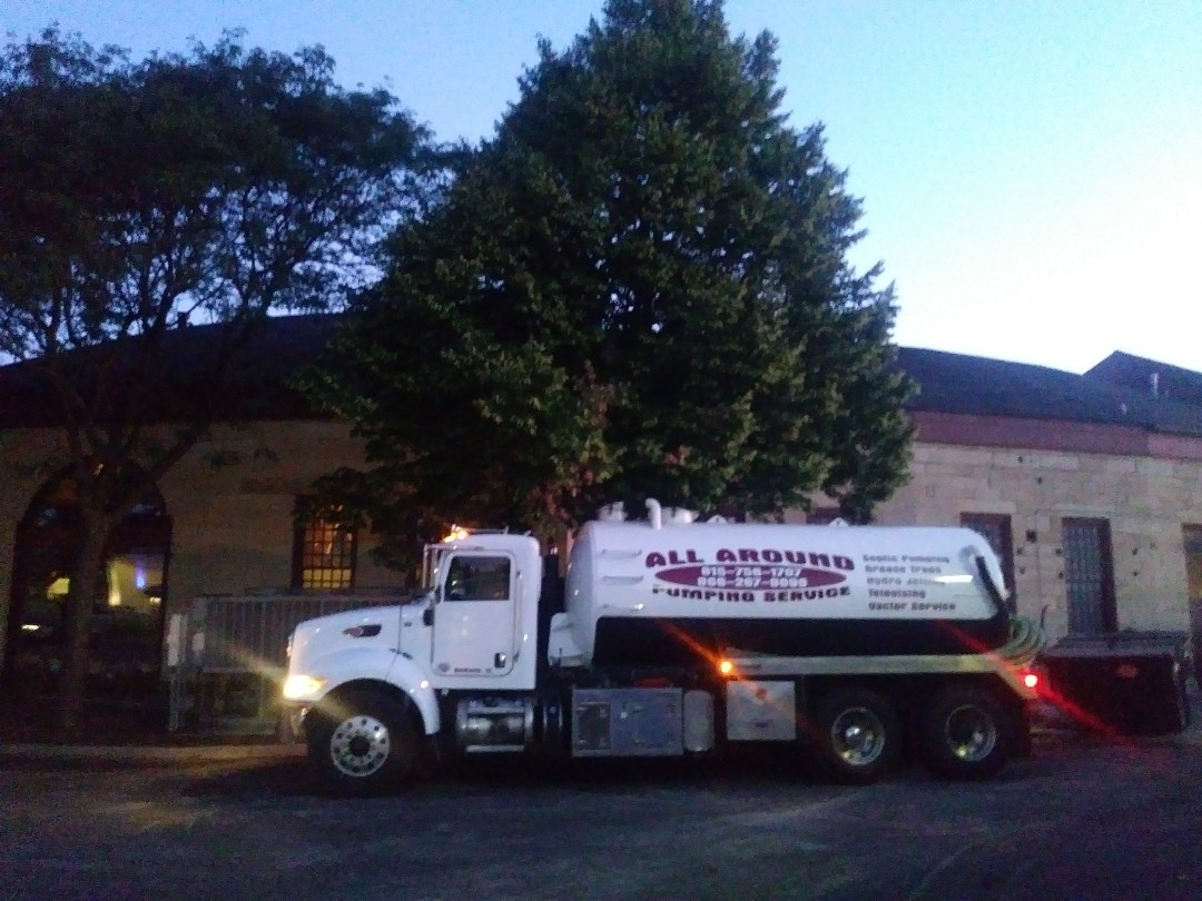 Aurora, IL - Pump and clean inside grease trap