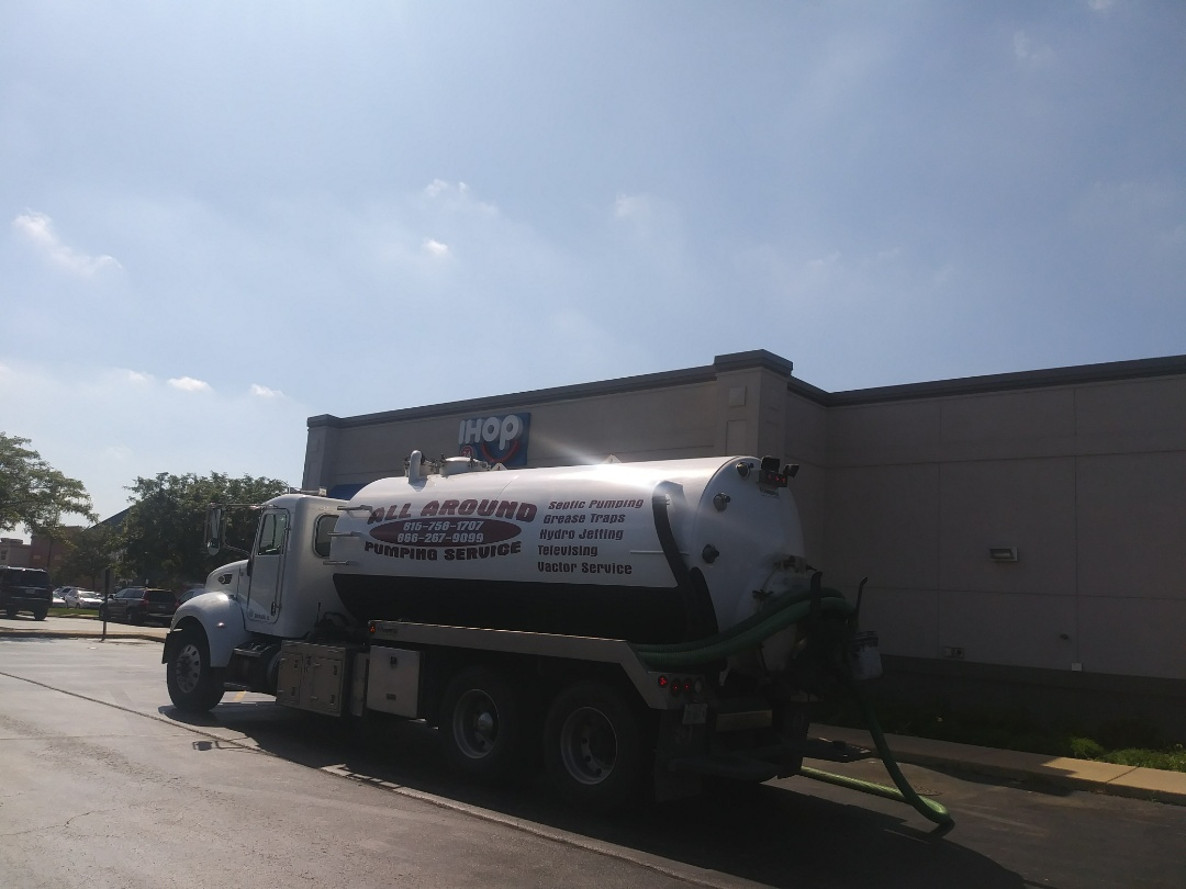 Rockford, IL - Pump and clean outside grease trap