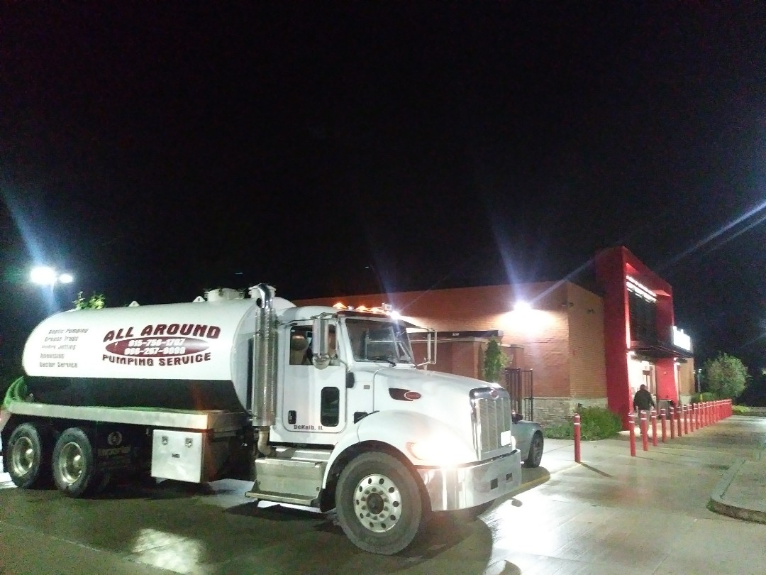 Bloomingdale, IL - Pump and clean outside grease trap