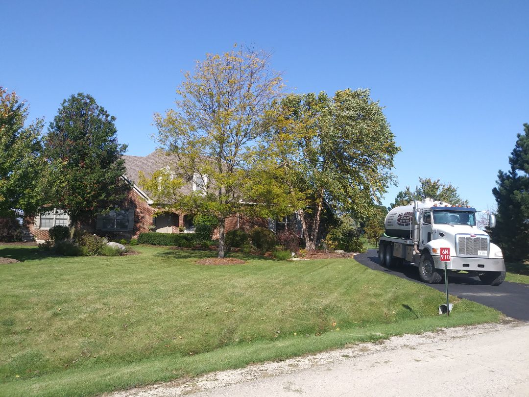 St. Charles, IL - Pump and clean septic tank and lift station