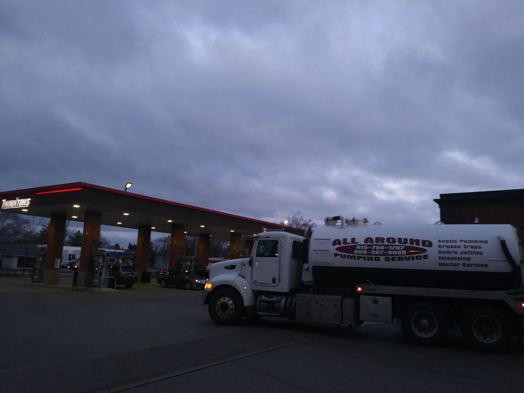 Fox Lake, IL - Pump and clean outside grease trap