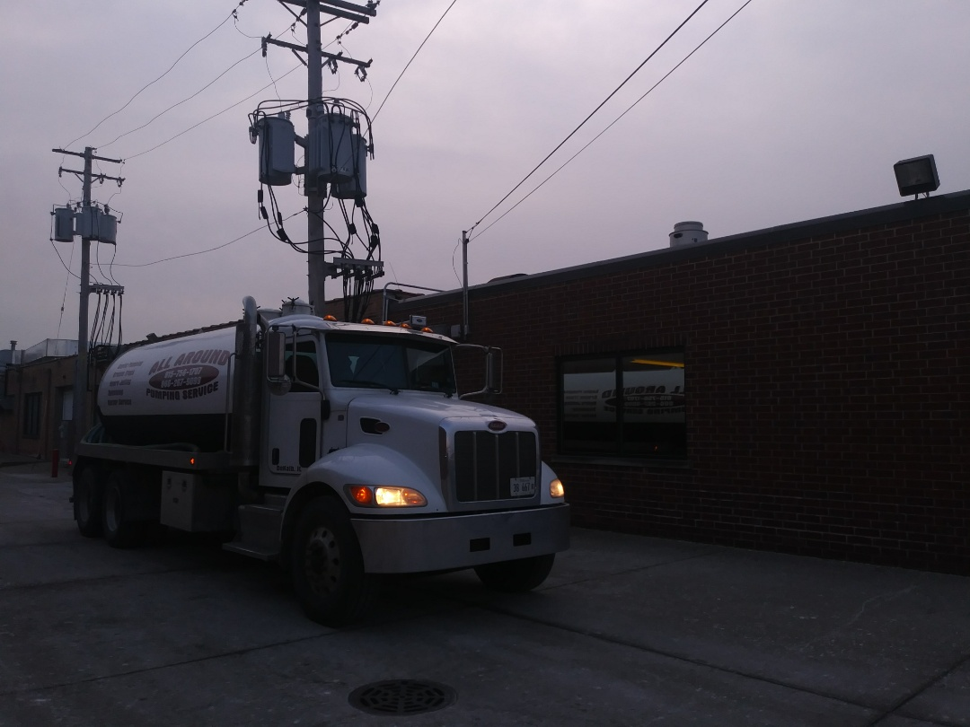 Park Ridge, IL - Pump and clean outside grease trap