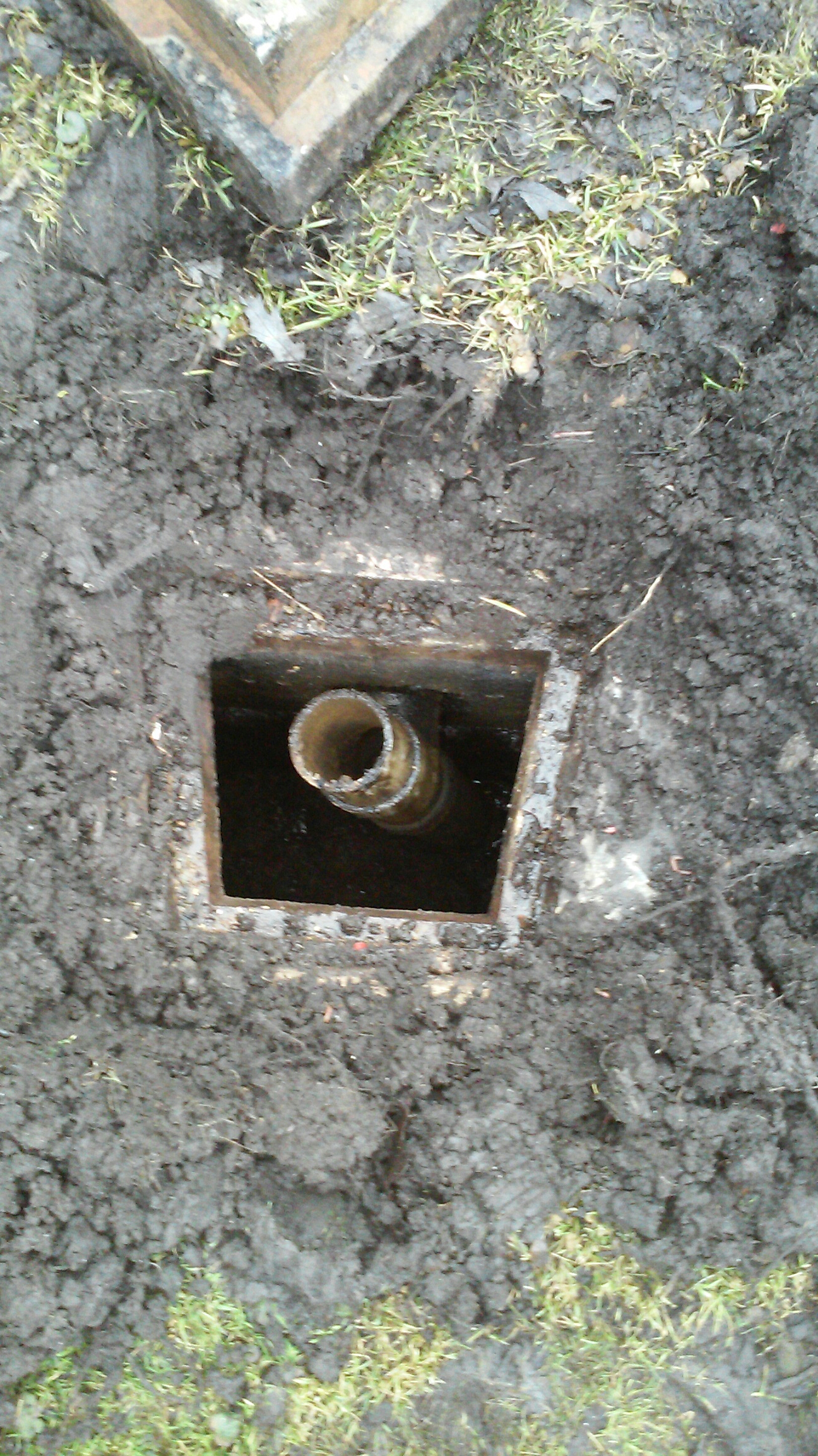 Oswego, IL - Pump and clean septic tank and trouble shoot backing up problem