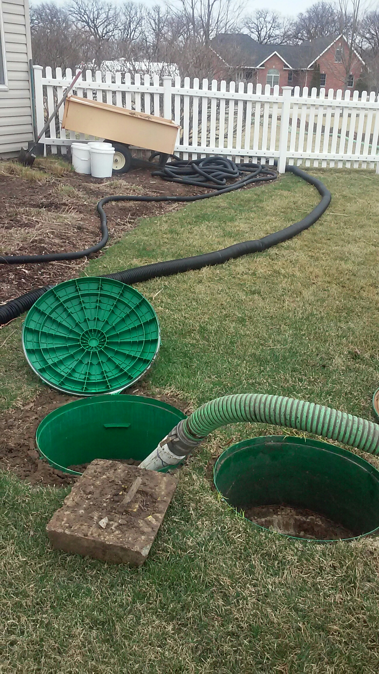 Sandwich, IL - Pumping and cleaning septic tank