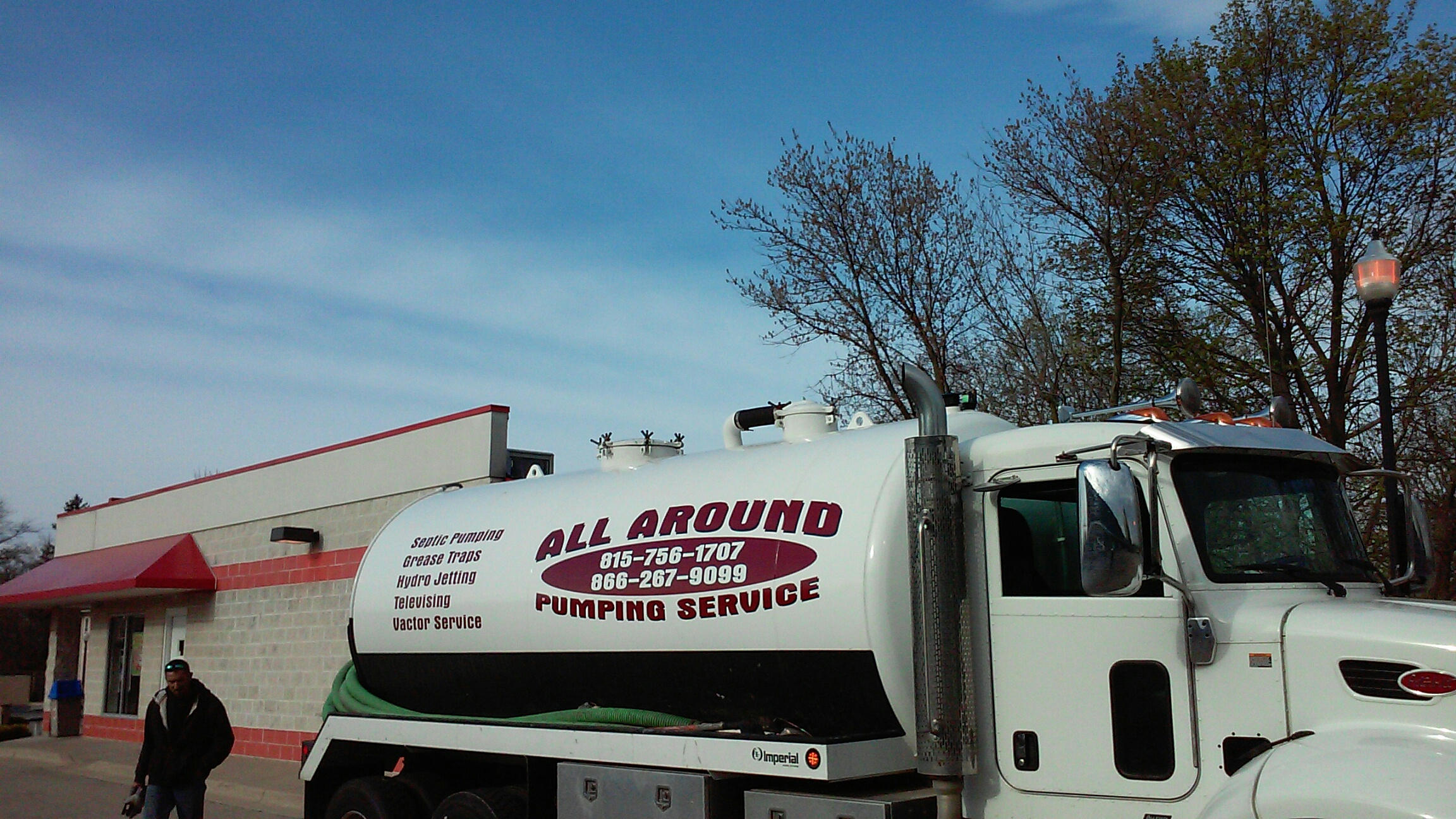 Geneva, IL - Pump and clean outside grease trap