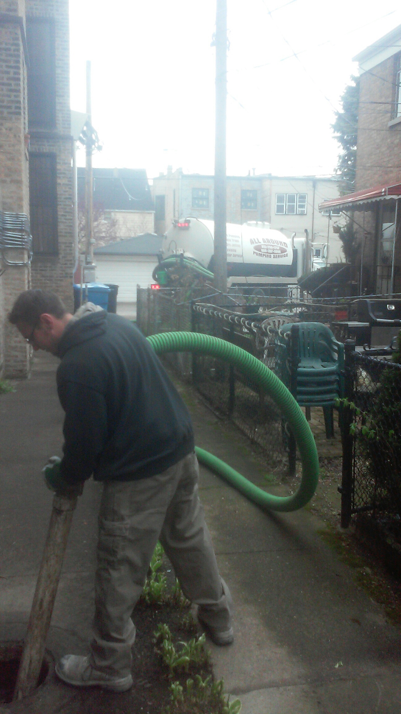 """Chicago, IL - Pumping and cleaning catch basin in """"Draft Town""""!"""