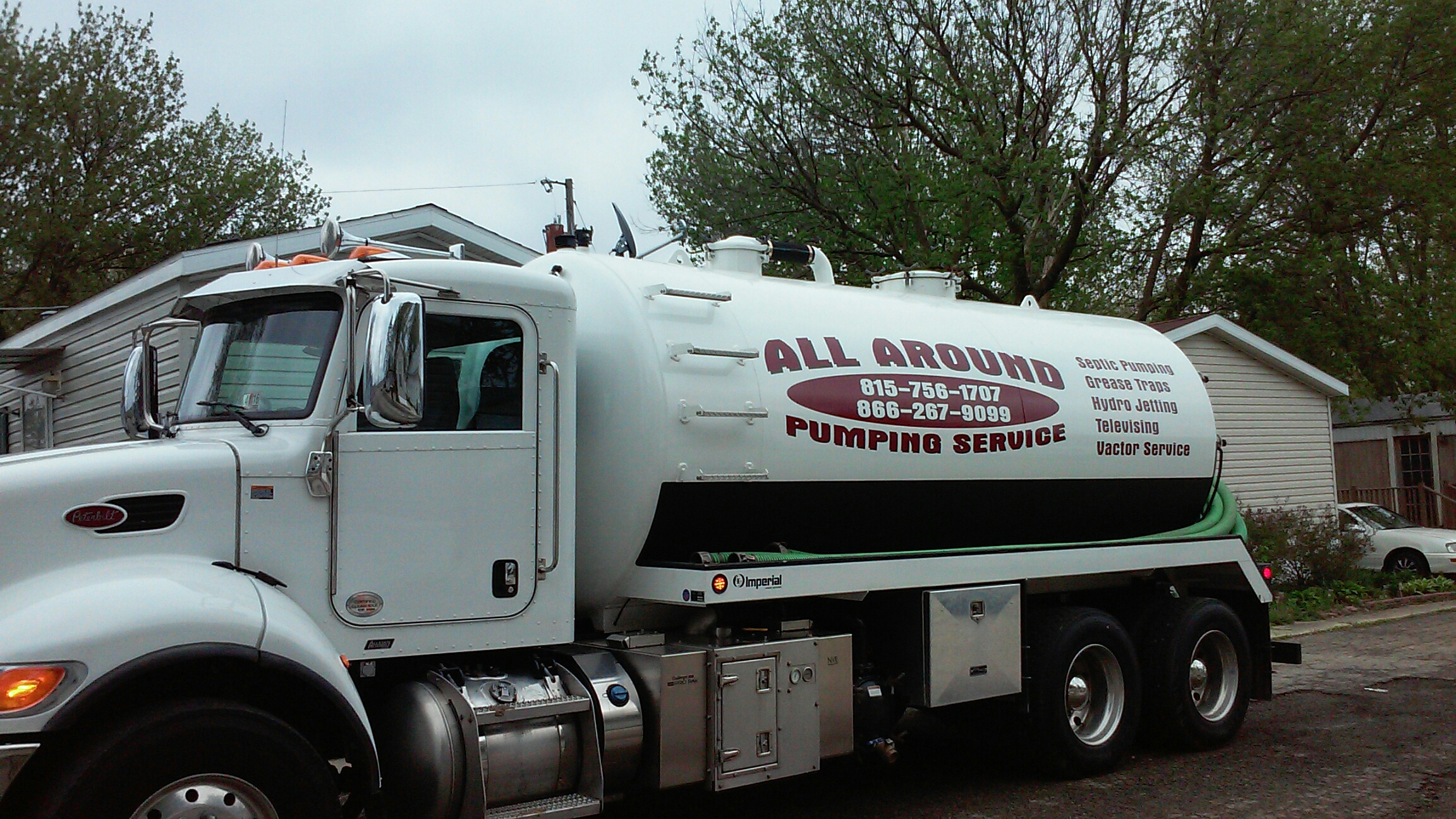 DeKalb, IL - Pump and clean community septic tank