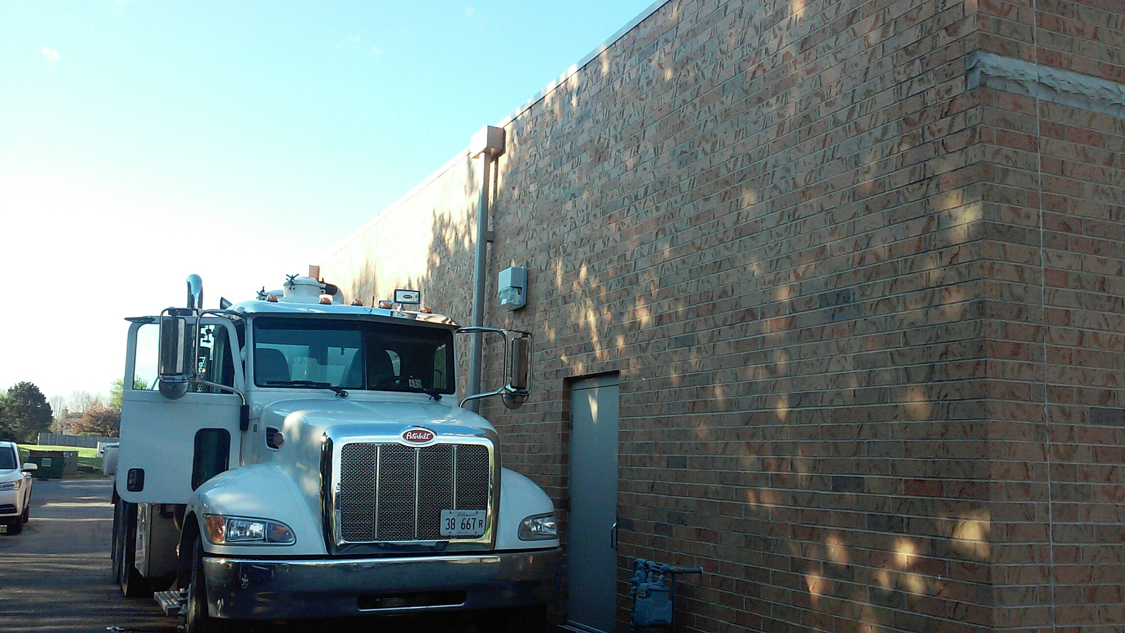 Sycamore, IL - Cleaning grease trap