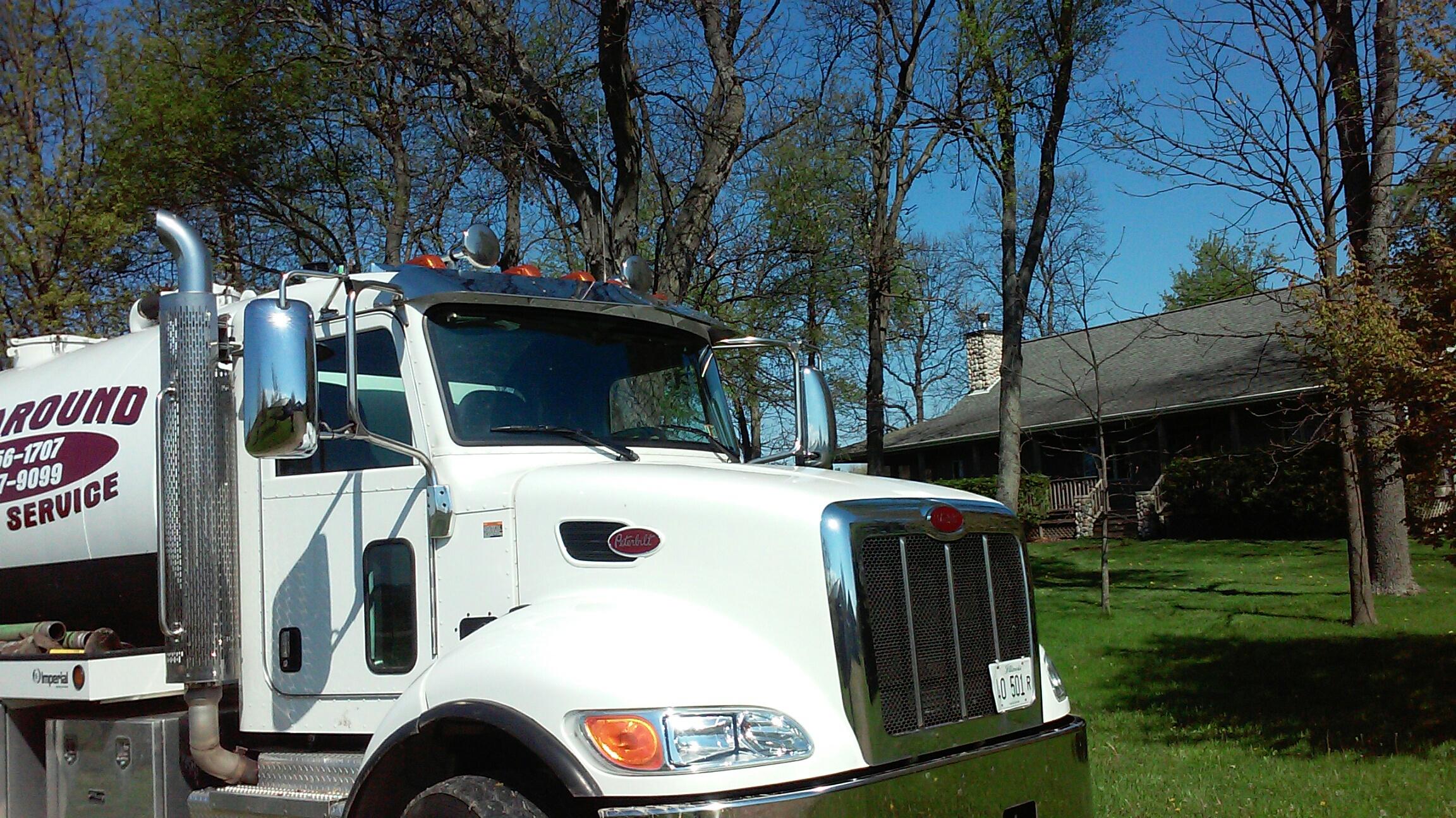Earlville, IL - Pump amd clean septic tank