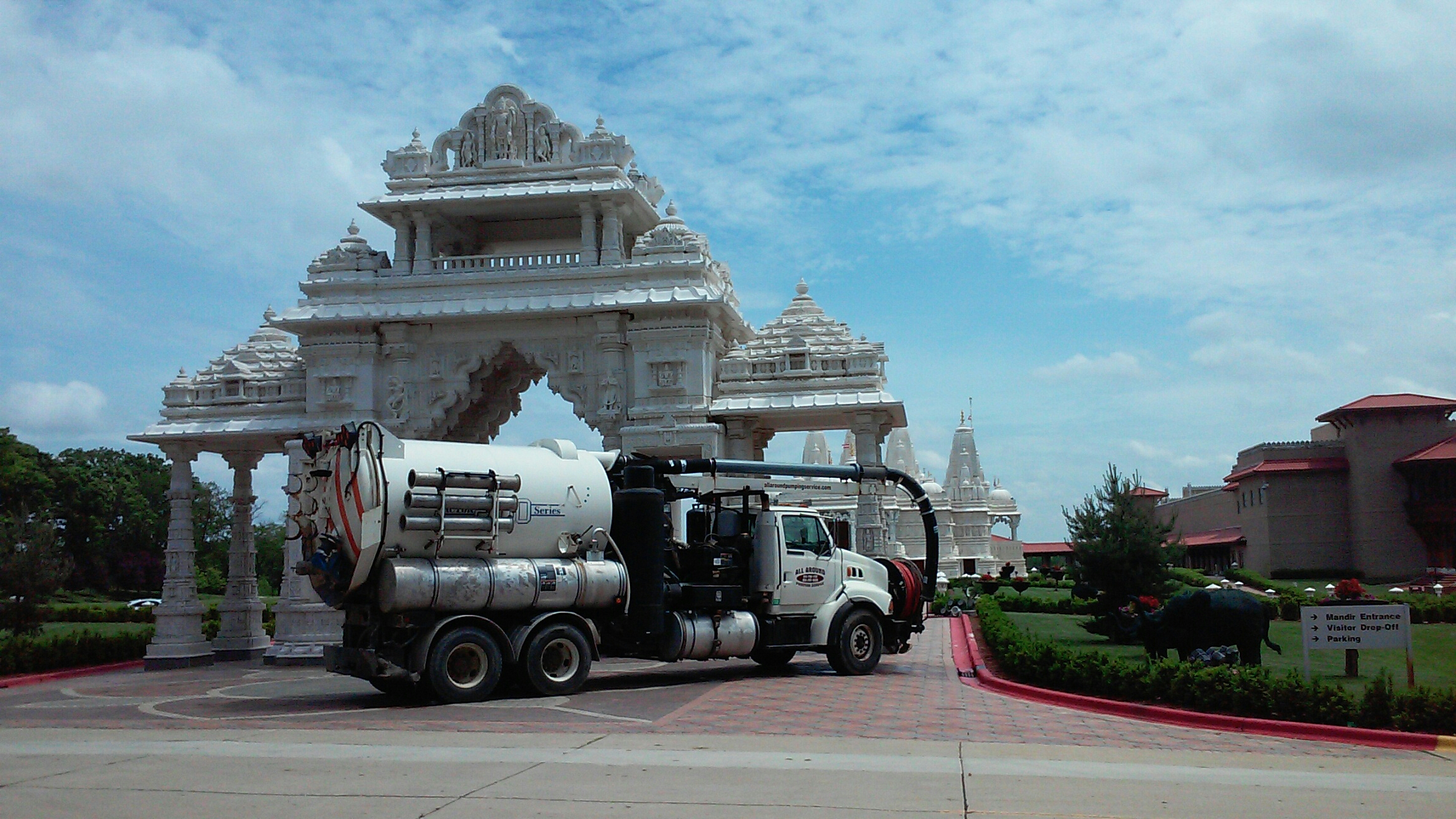 Bartlett, IL - Use Vactor to clean and jet storm basins