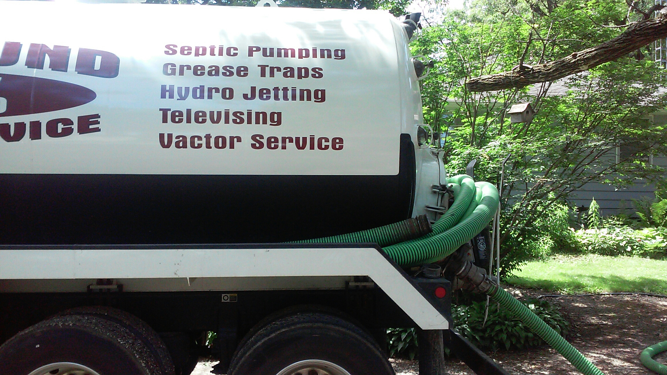 Genoa, IL - Pumping septic tank