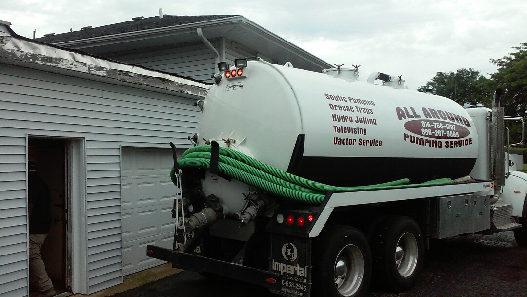 Geneva, IL - Pumping grease trap