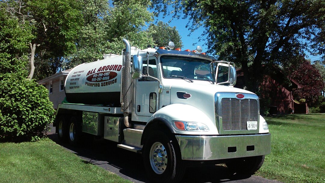 Downers Grove, IL - Pumping septic tank