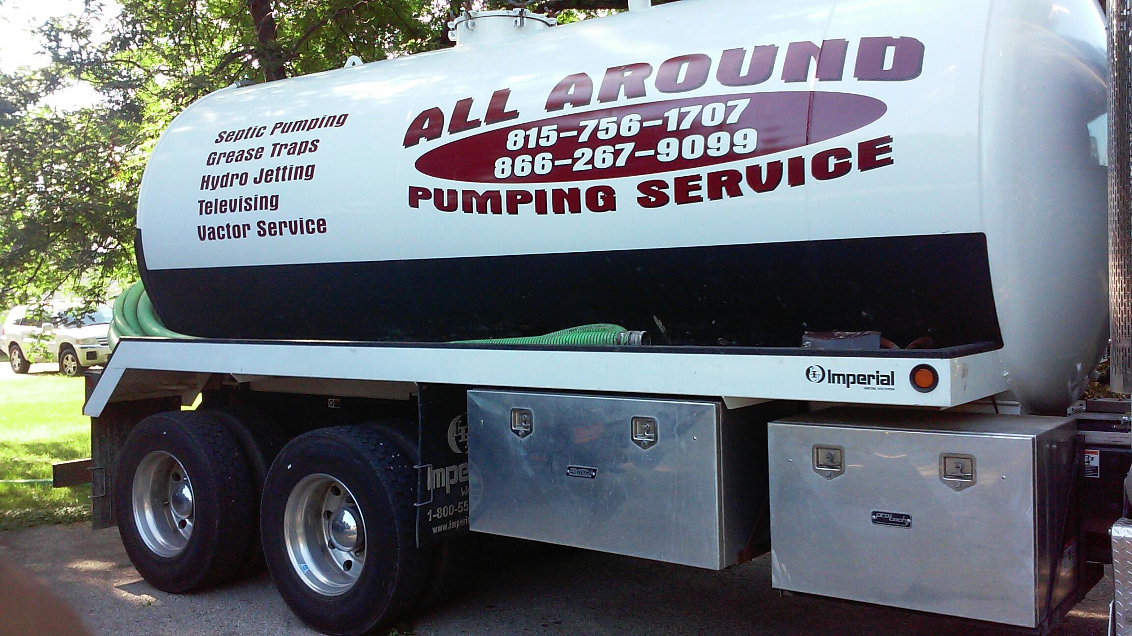 Elgin, IL - Pumping septic tank