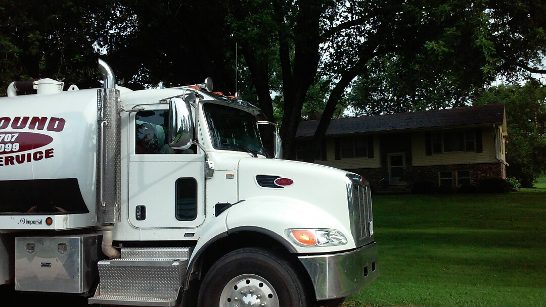 Oswego, IL - Pump and clean septic tank